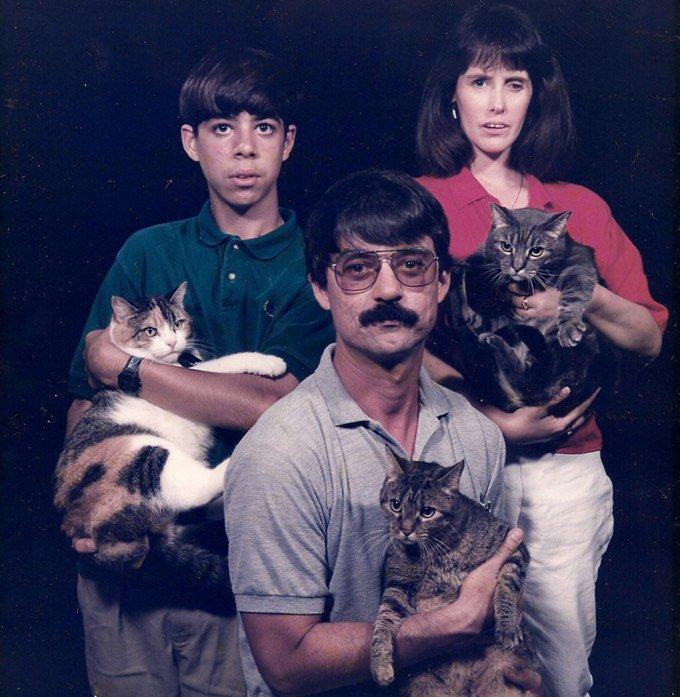 Portrait de famille avec chat