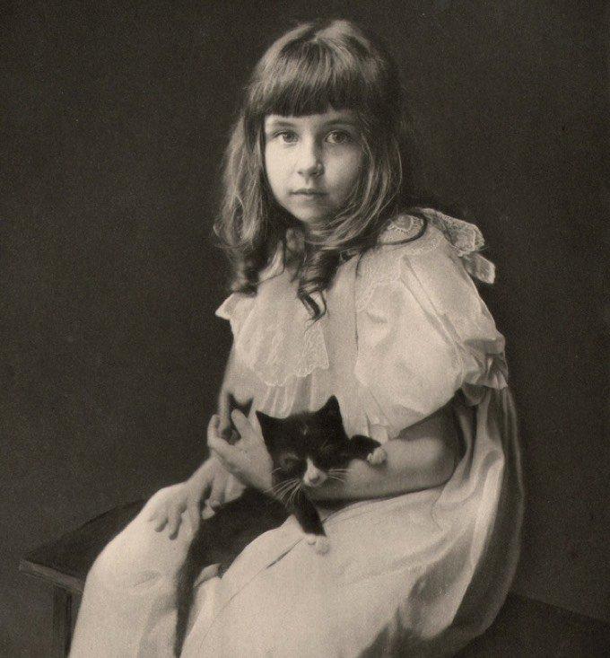 Portrait jeune fille chat